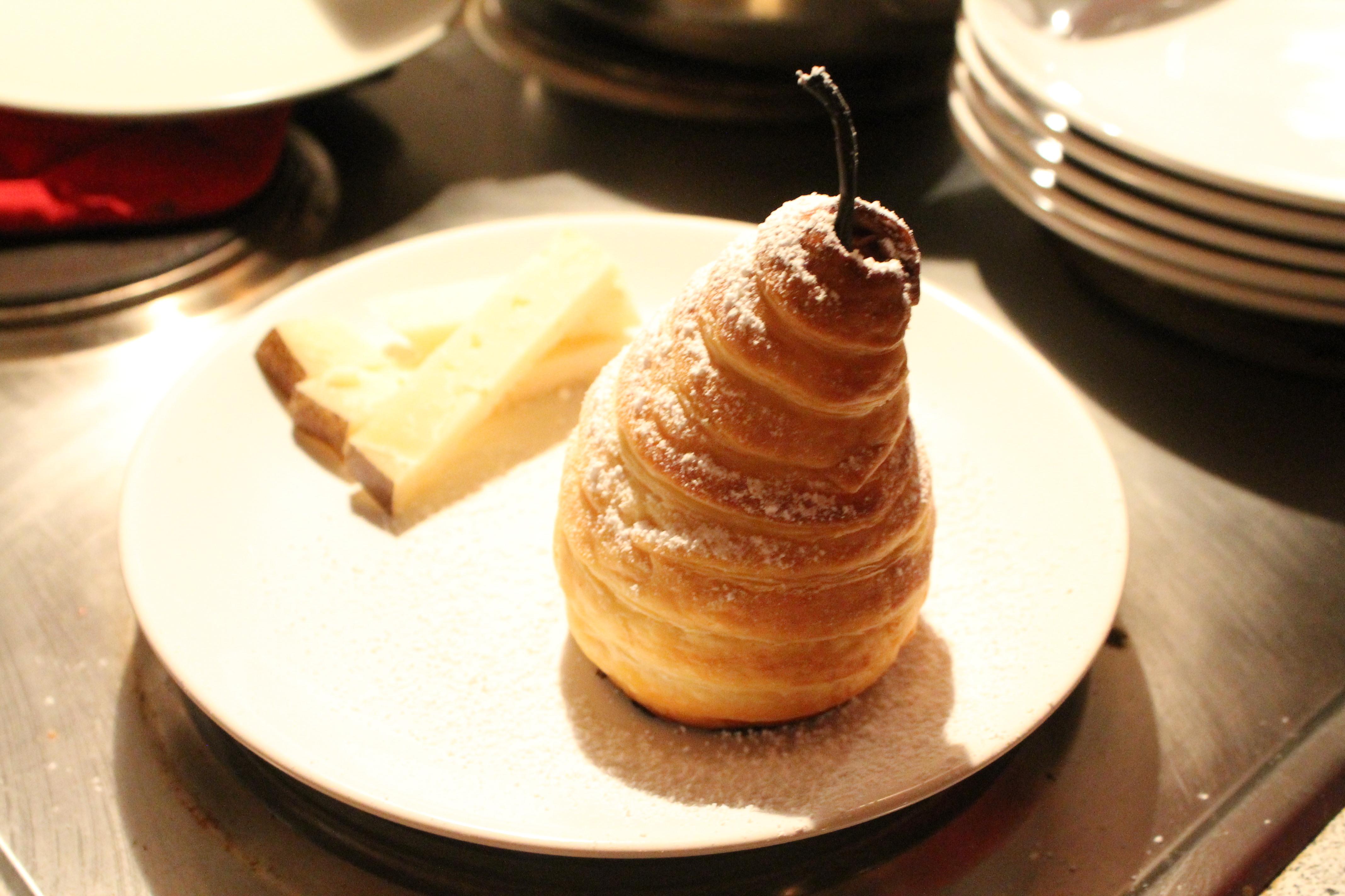 Honigbirnen im Blätterteigmantel mit Pecorino - Der kulinarische Donnerstag #6