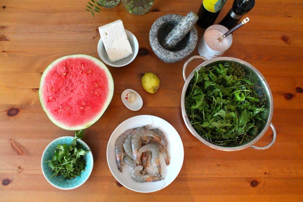Wassermelonen-Salat mit Garnelen und Feta